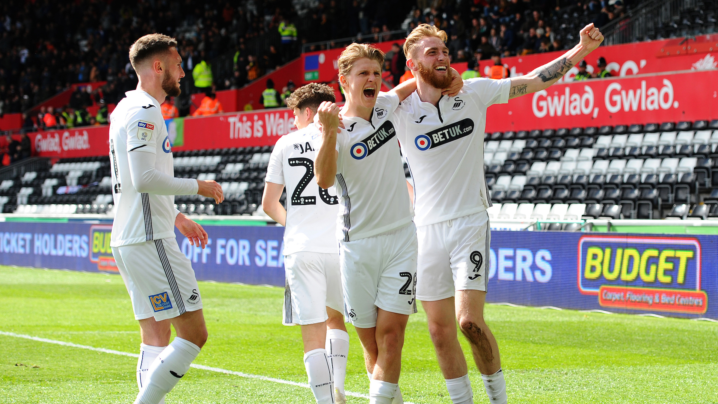 Oli McBurnie Hull celebration
